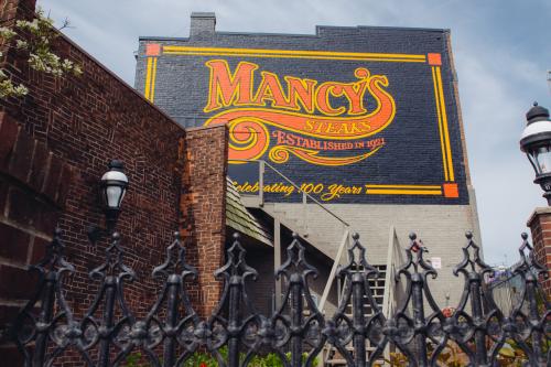 Mancys-restaurant-signage